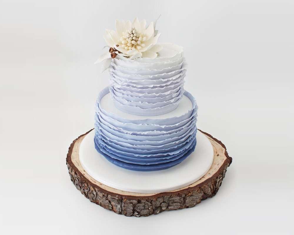 gradient blue wedding cake