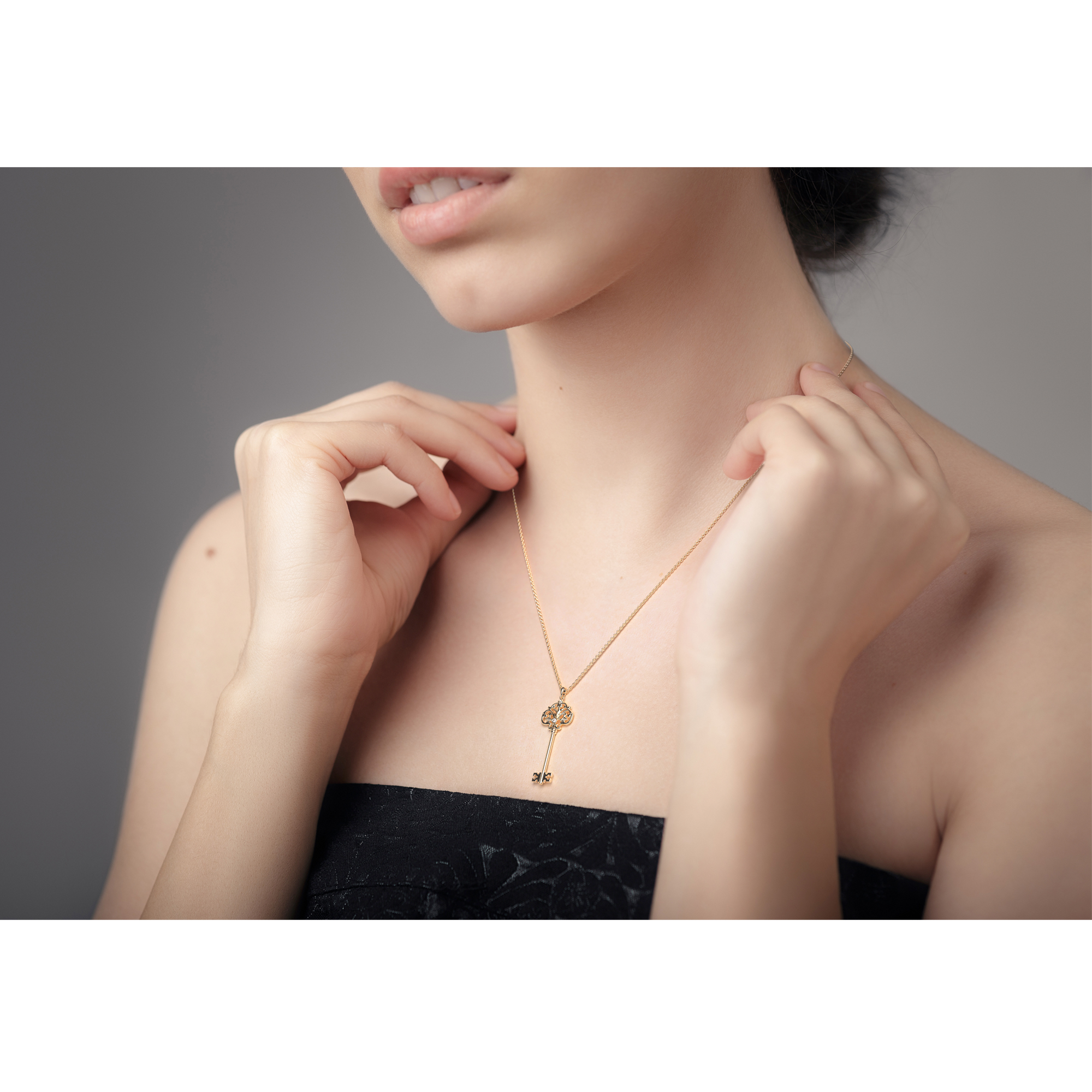 Necklaces For Women Vintage Gold Pendant Dainty Key Pendant Fine Jewelry