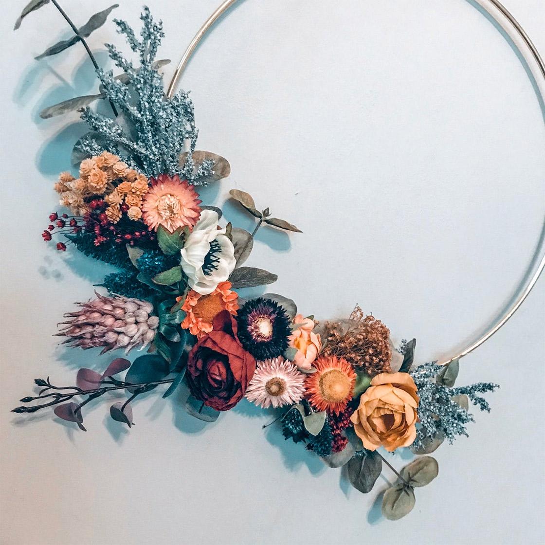 dried flowers hoop bouquet